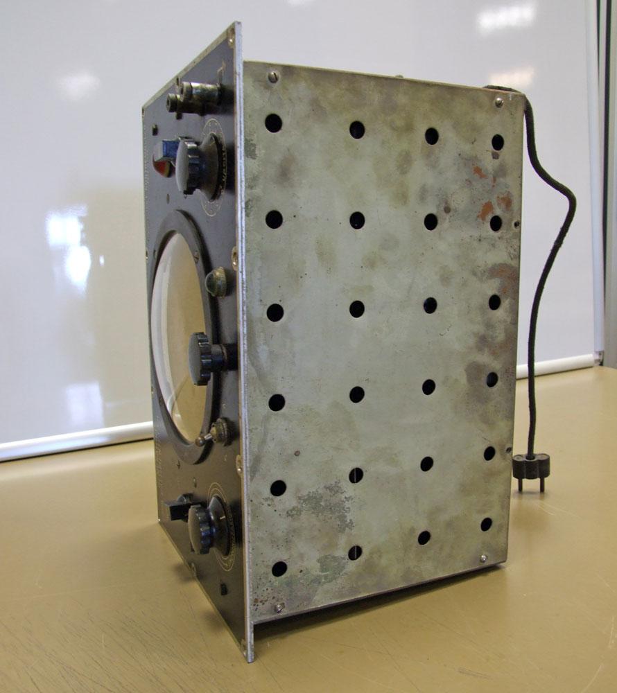 Generatore di frequenza O.H.M. mod. 1271 - telaio con schermatura