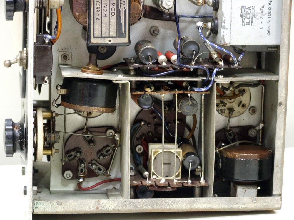 Generatore di frequenza O.H.M. mod. 1271 - paratie interne