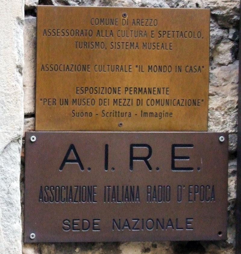 Figura 2 - La targa che ricorda la sede nazionale dell'A.I.R.E.