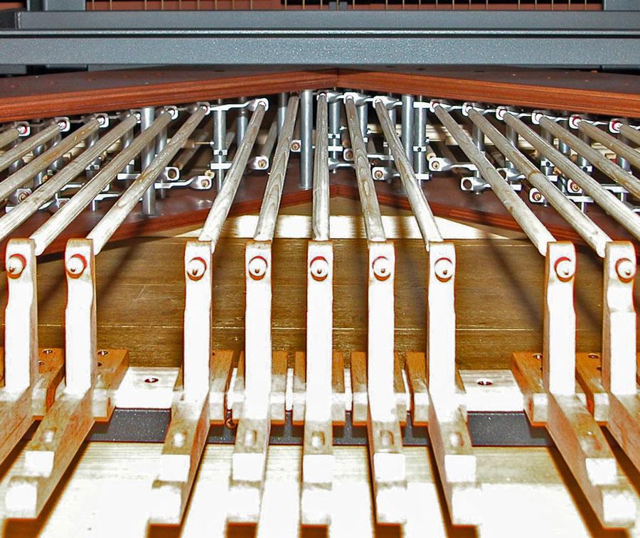 Meccanica di pedaliera dell'organo di Merate