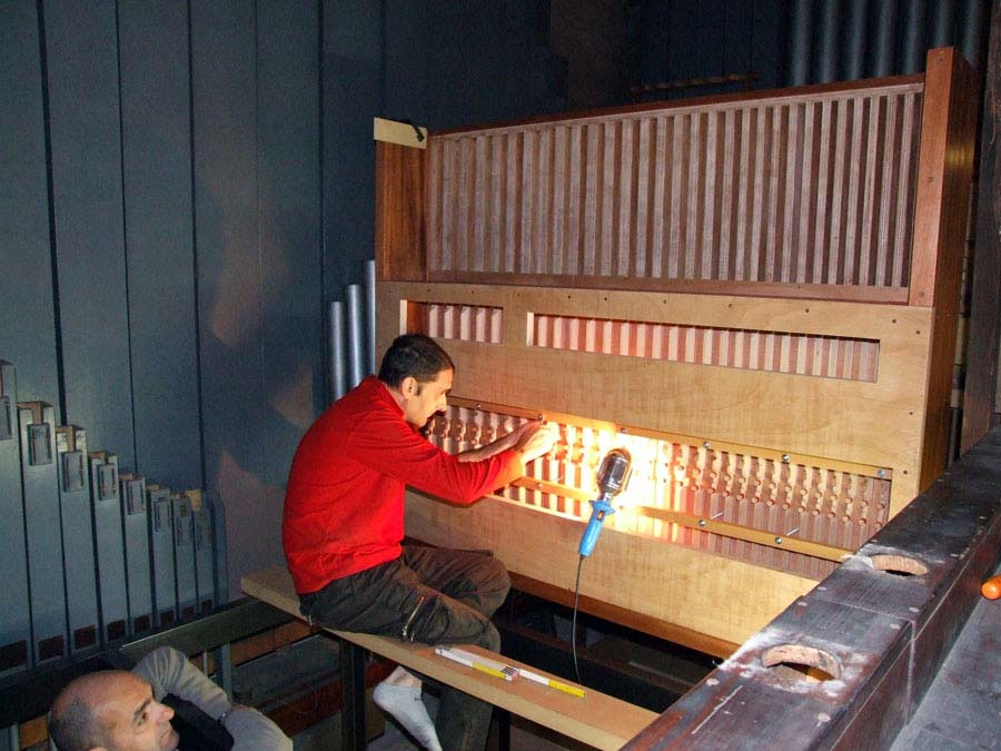 Collocazione dei due somieri maestri del Grand'Organo della Collegiata di Seregno.