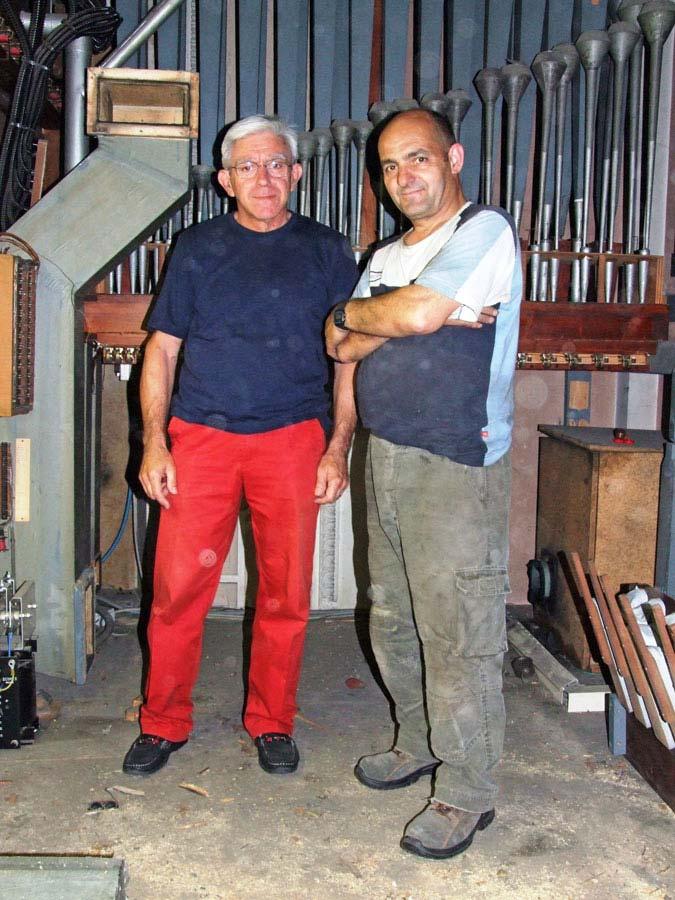 Visita di Aldo Redaelli ai lavori di smontaggio del Grand'organo.