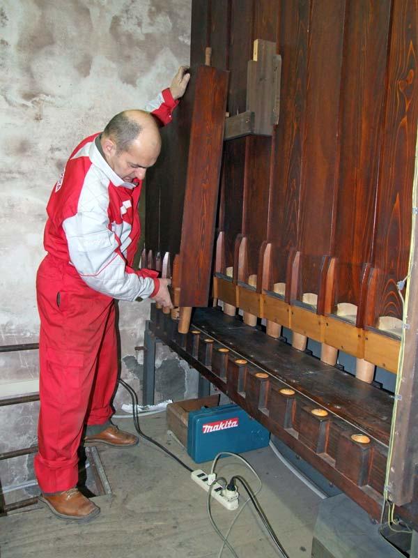 Lavori di pulitura, intonazione ed accordatura dell'organo Corale Recitativo della Collegiata di Seregno.