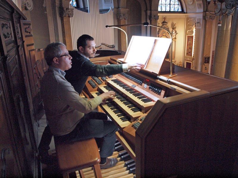 Conferenza di Seregno, l'organista Alessandro La Ciacera