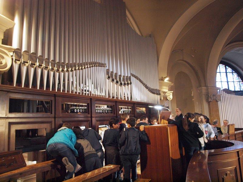 Conferenza di Seregno, studenti in visita all'organo
