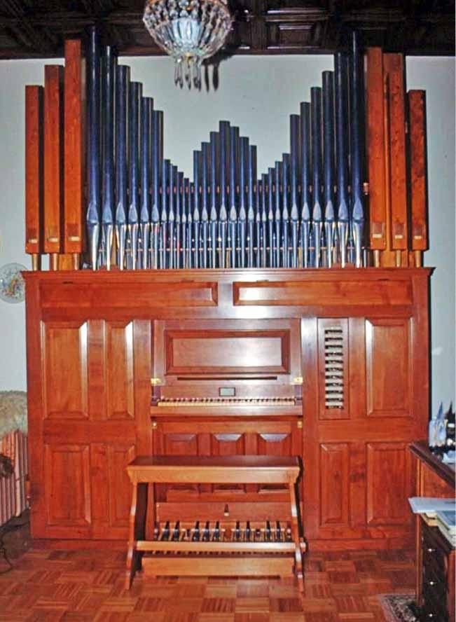 Fotografia del nuovo organo costruito per il Sig. Emilio Proserpio