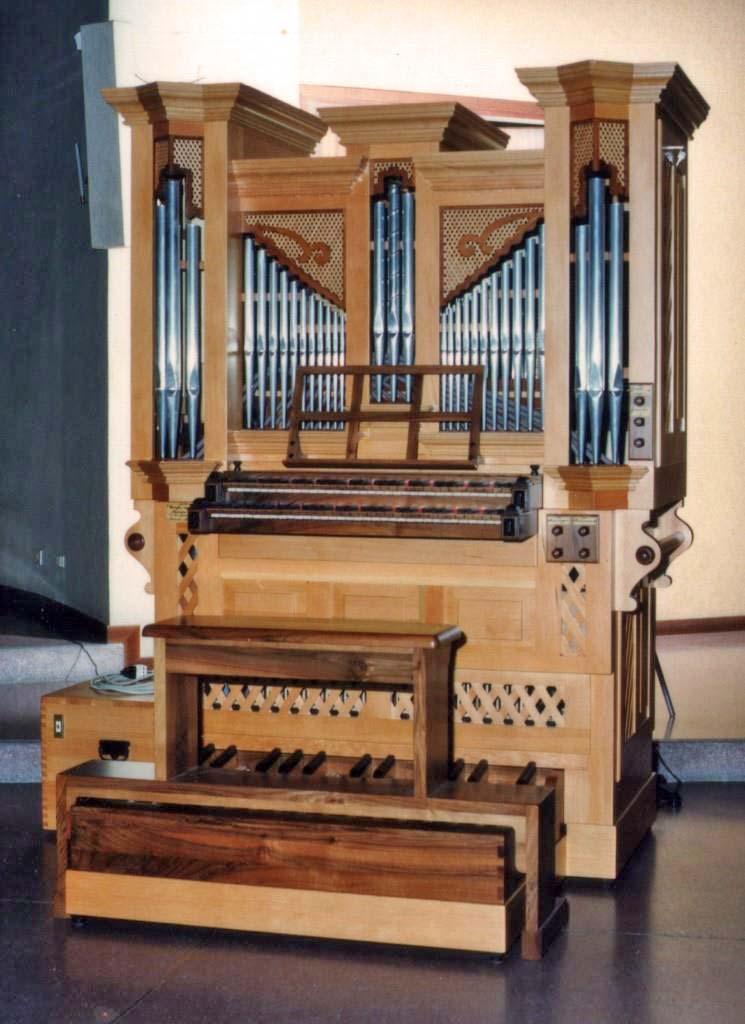 Il nuovo organo dell'organista Walter Mauri a lavori ultimati