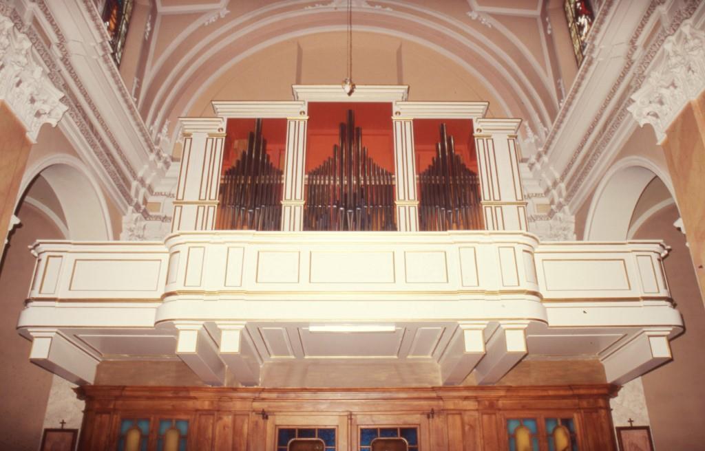 L'organo di Cornate d'Adda (MB) fotografato lo stesso giorno in cui terminarono i lavori.