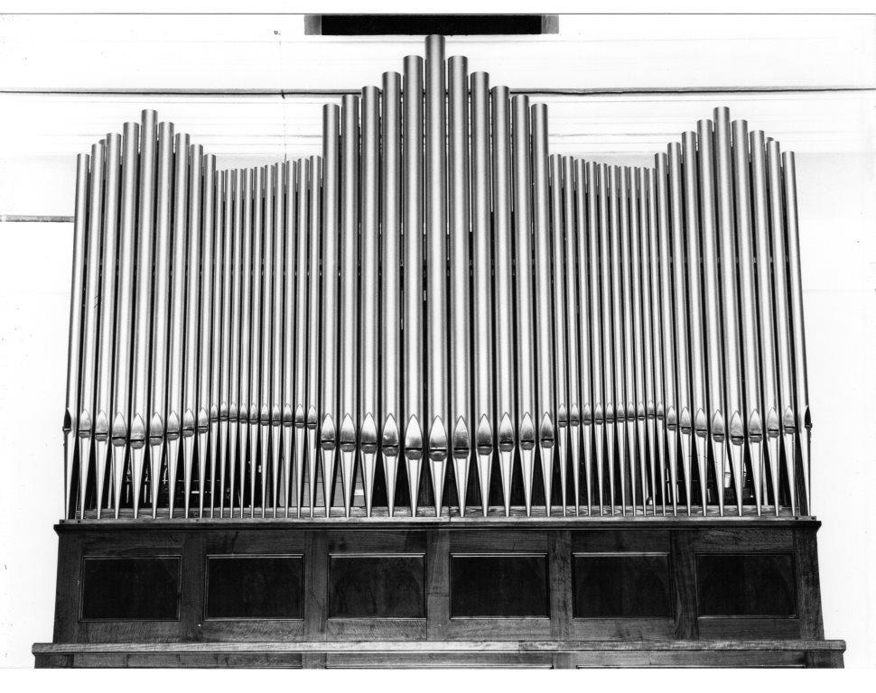 L'organo della parrocchia di Belledo (LC) nel laboratorio durante la fase esecutiva finale