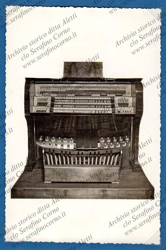 Figura 16 - La nuova consolle elettrica per l'organo di S. Maria maggiore a Bergamo.